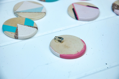 How to make a paper necklace. Geometric Paint + Glitter Pendants - Step 5