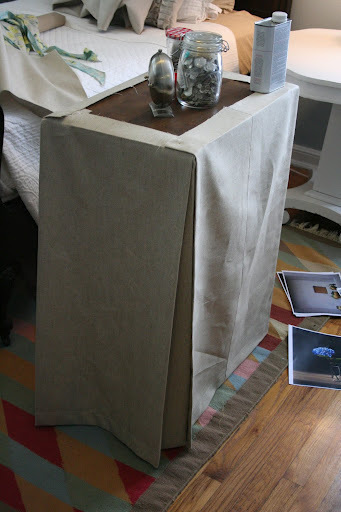 How to make a tablecloth / table runner. Skirted Tablecloth - Step 4