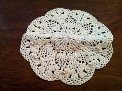 How to make a lace collar. Fancy Doily Necklace - Step 2