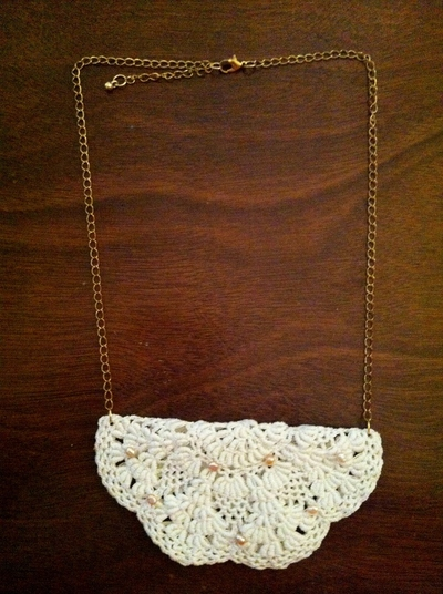 How to make a lace collar. Fancy Doily Necklace - Step 4