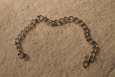 How to make a ribbon chain bracelet. Simple Ribbon & Chain Bracelet - Step 1