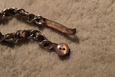 How to make a ribbon chain bracelet. Simple Ribbon & Chain Bracelet - Step 5