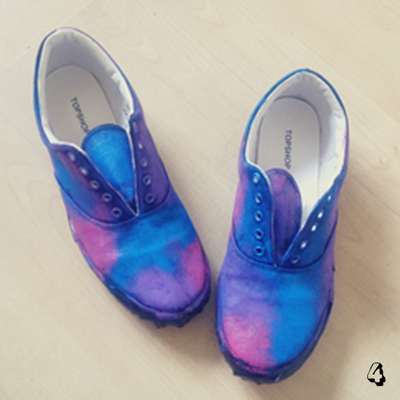 How to paint a pair of patterned shoes. Galaxy Print Shoes - Step 4