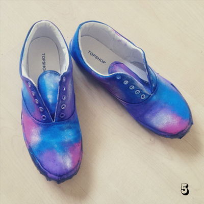 How to paint a pair of patterned shoes. Galaxy Print Shoes - Step 5