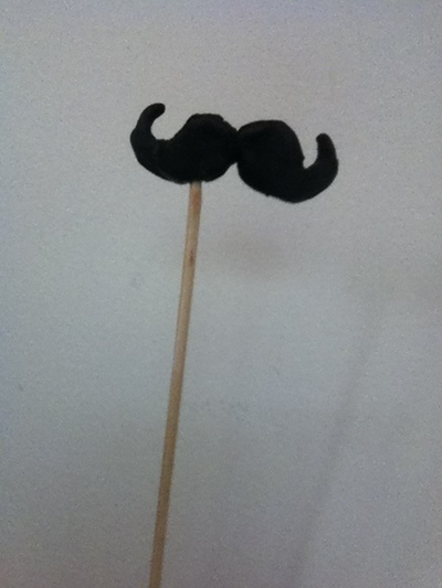 How to make a mustache. Cute Moustache - Step 7