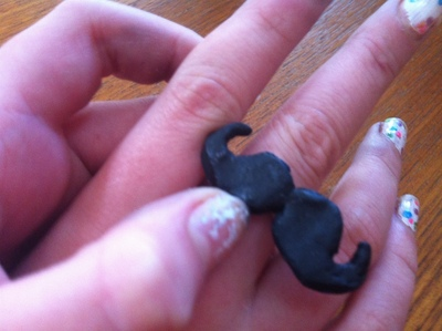 How to make a mustache. Cute Moustache - Step 10