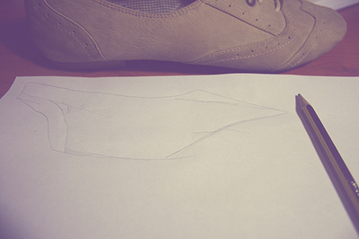 How to paint a pair of painted shoes. Floral Print Oxford Shoes - Step 3