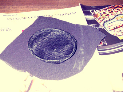 How to make an animal hat. Halloween Spider Fascinator  - Step 1