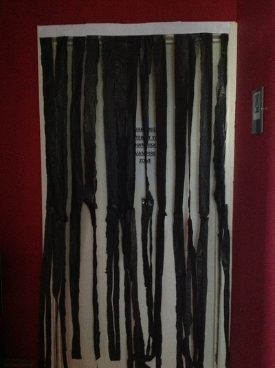 How to make a curtain/blinds. Spooky Door Curtain  - Step 9