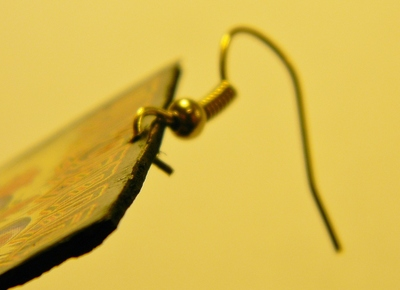 How to make a pair of photo earrings. Magazine Earrings - Step 7