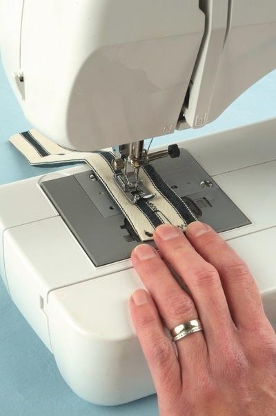 How to make a wrist pin cushions. Wristwatch Pincushion - Step 6