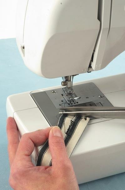 How to make a wrist pin cushions. Wristwatch Pincushion - Step 7