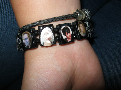 How to make a cabochon bracelet. Saint Bracelet In A Different Way - Step 4