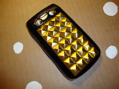 How to make a phone case. Diy Studded Phone Case - Step 6