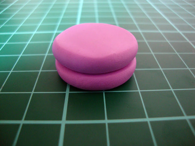 How to sculpt a clay macaron. Diy French Macaron Keyrings - Step 5