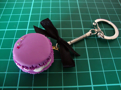 How to sculpt a clay macaron. Diy French Macaron Keyrings - Step 17