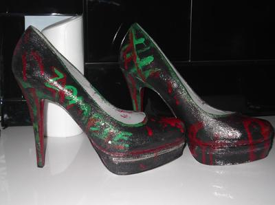 How to paint a pair of painted shoes. Painted Zombie Heels! - Step 2