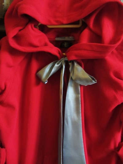 How to make a cape / cloak. Little Red's Cape  - Step 5
