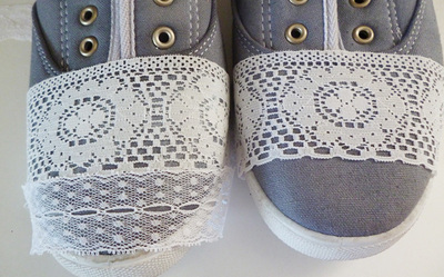 How to make a pair of lace shoes. Repurposed Lace Scrap Tennies - Step 3