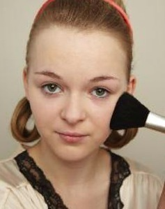 How to create a pin-up makeup look. Twiggy Make Up - Step 1