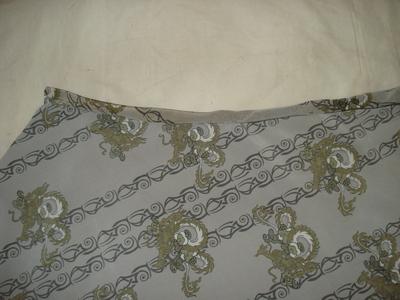 How to sew an asymmetrical skirt. A Pretty Asymmetrical Skirt - Step 4