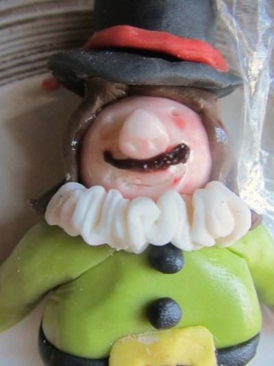 How to decorate a seasonal cake. Bonfire Night Cake - Step 4