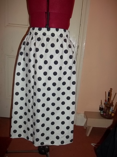 How to make a revamped skirt. Waterfall (High Low) Skirt From Boring Vinatge Skirt. - Step 1