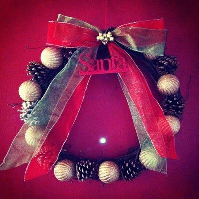 How to make a bauble wreath. Fancy Christmas Wreath Cheap - Step 5