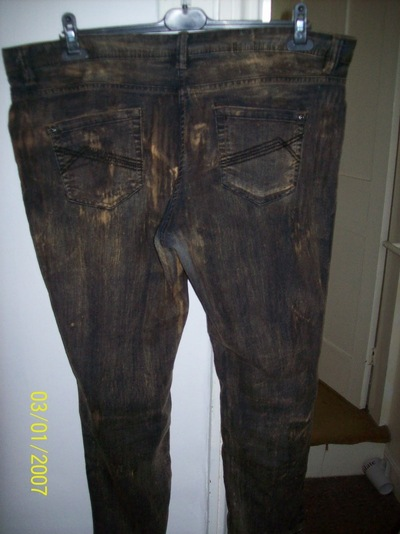 How to make jeans. Diy: Bleach Project - Step 4