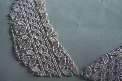 How to make a lace collar. Beaded Lace Collar - Step 3