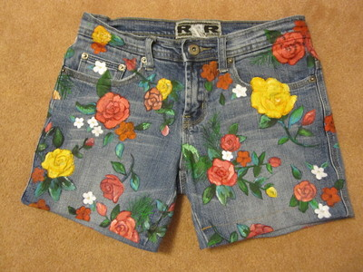 How to decorate a pair of painted shorts. Flower Print Jeans - Step 7