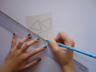 How to make a bunting necklace. Triangle Necklace - Step 1