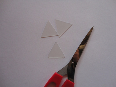 How to make a bunting necklace. Triangle Necklace - Step 3