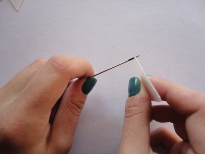 How to make a bunting necklace. Triangle Necklace - Step 5
