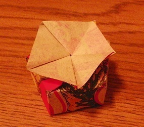 How to make a folding. Mini Christmas Box - Step 14