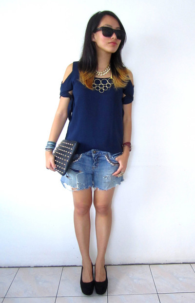 How to make shorts. Update Your Jeans: Diy Studded & Frayed Shorts - Step 11
