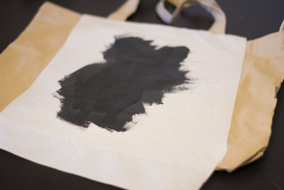 How to paint a painted tote. Simple Stenciled Tote Bag - Step 5