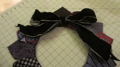 How to make a fabric wreath. Neck Tie Wreath - Step 7