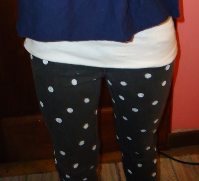 How to paint a pair of painted jeans. Polka Dot Skinny Jeans!!! - Step 4