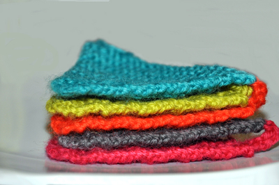 How to make bunting. Cozy Colorful Bunting - Step 5