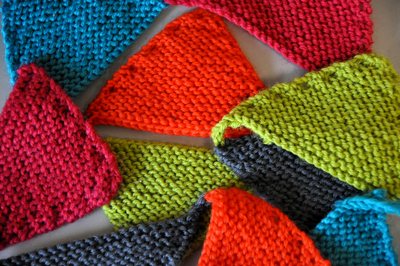 How to make bunting. Cozy Colorful Bunting - Step 7