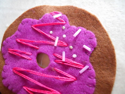 How to make a Christmas decoration. Hanging Xmas Donut - Step 8