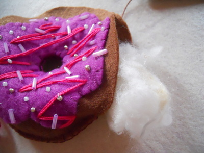 How to make a Christmas decoration. Hanging Xmas Donut - Step 14