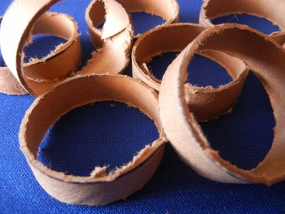 How to make a Christmas decoration. Recicled Christmas Ornaments - Step 3