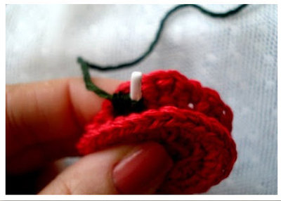 How to make a recycled necklace. Bra Wire Necklace - Step 3