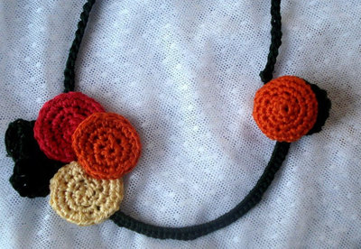How to make a recycled necklace. Bra Wire Necklace - Step 6