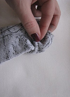 How to make a pair of sock gloves. Transform Socks Into Warmers - Step 2