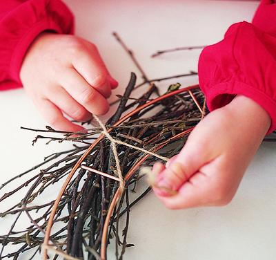 How to make a branch & twig wreath. Twiggy Wreath - Step 1