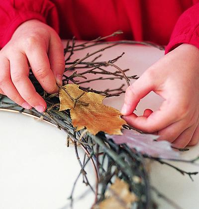 How to make a branch & twig wreath. Twiggy Wreath - Step 3