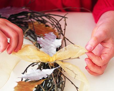 How to make a branch & twig wreath. Twiggy Wreath - Step 4